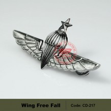 MILITARY WING FREE FALL METAL BADGE - CD217